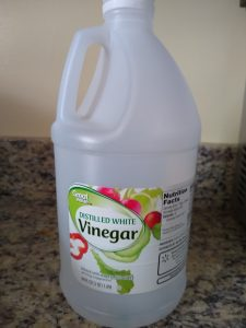 white vinegar is best for cleaning braces